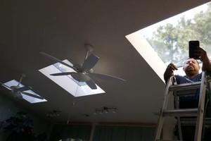 Photo #11: MVPcustomz residential window polarizing/tinting