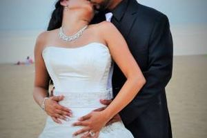 Photo #2: $500 Wedding photography Package