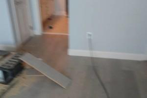 Photo #1: Floor covering mechanic