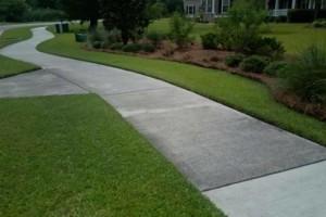 Photo #2: C & A Lawn Care - Leaf Cleanup, Mulch, Topsoil