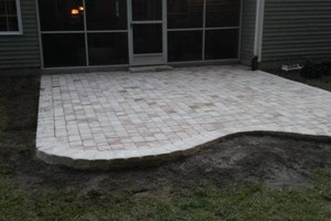 Photo #2: CONCRETE PATIOS, DRIVEWAYS, FOUNDATIONS