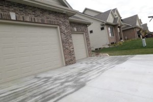 Photo #2: EMPIRE CONCRETE - Caulk and Seal Your Driveway
