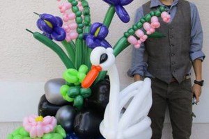 Photo #4: Balloon Bouquets & Centerpieces