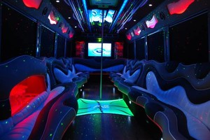 Photo #1: ALL LIMOUSINES 25% OFF For CL Customers!!!
