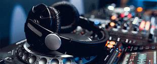 DJ & MC